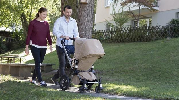 Eine Debatte über Eltern- anstatt Vater- und Mutterschaftsurlaub.