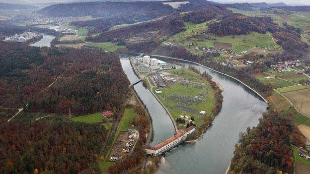 Das Atomkraftwerk Beznau an der Aare.