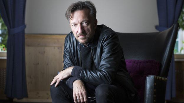 Schriftsteller Lukas Bärfuss gilt als harter Kritiker der Schweiz.
