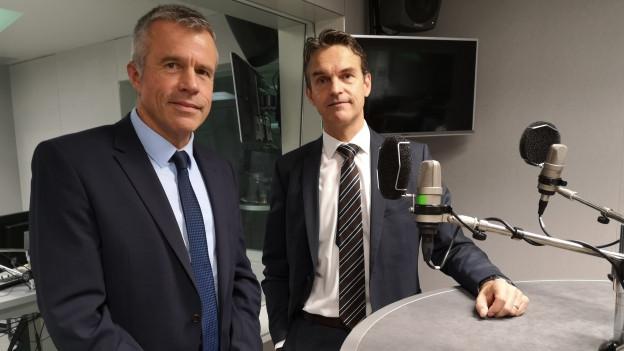 Das Bild zeigt BDP-Nationalrat Lorenz Hess und FDP-Nationalrat und Fraktionschef Beat Walti im SRF-Radiostudio in Bern.