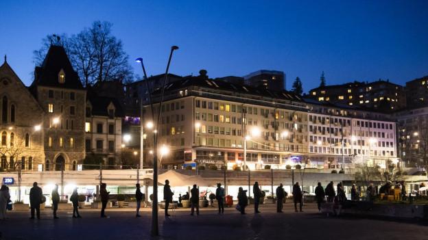 Westschweiz wünscht sich Ausgangssperre.