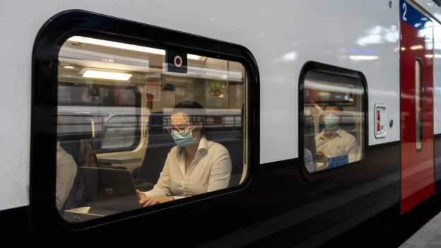 Züge sind während der Corona-Zeit weniger gut gefüllt.