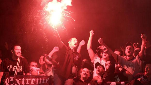 Anhänger von Partizan Belgrad nach einem Sieg gegen RSC Anderlecht aus Belgien im August 2010.