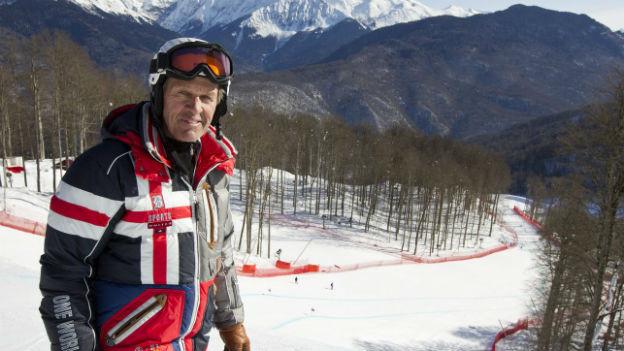 Bernhard Russi an einer Abfahrtspiste in Sotschi im Februar 2012