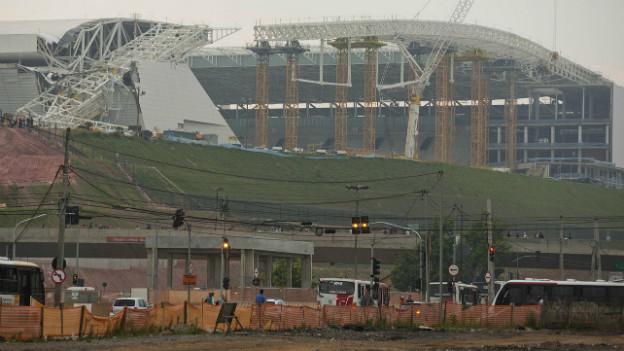 Das WM-Stadion in Sao Paulo nach einem Unfall mit einem Kran im November 2013.