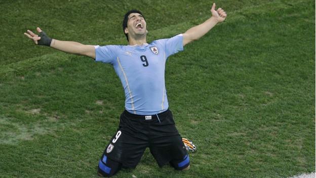 Der uruguayische Fussballstar Luis Suárez jubelt nach einem Treffer am WM-Spiel gegen England.