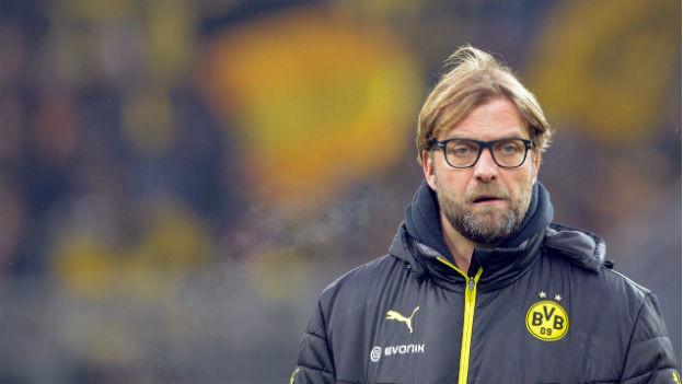 BVB-Trainer Jürgen Klopp mit betrübter Miene.