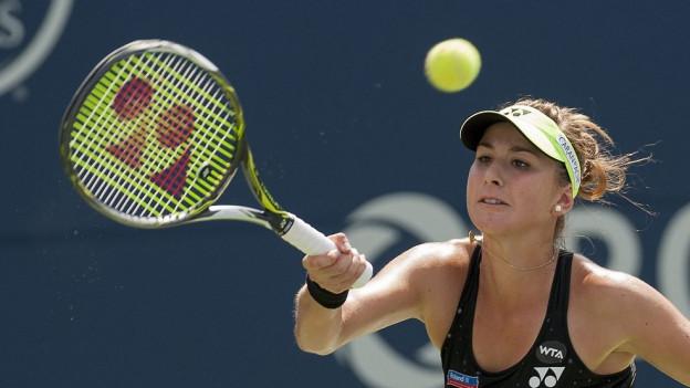 Belinda Bencic kämpft im Final von Toronto gegen die Rumänin Simona Halep. Am Ende siegt sie und feiert ihren bisher wichtigsten Erfolg.