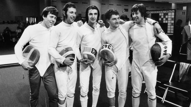 Das Schweizer Team der Degenfechter mit Peter Loetscher, Christian Kauter, Francois Suchanecki, Guy Evequoz und Daniel Giger (von links nach rechts) am 9. September 1972.