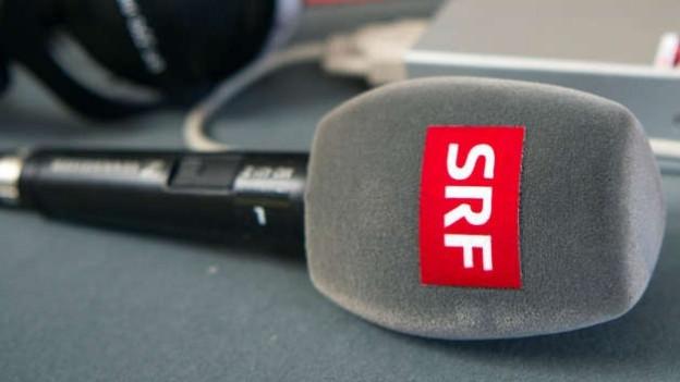 Ein SRF-Mikrofon in der Totalen.