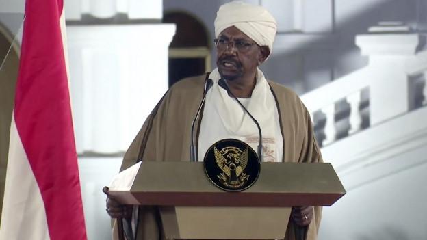 Langzeitherrscher Umar al-Baschir gerät zunehmend unter Druck.