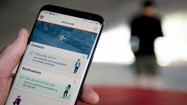 Die App «Contact Tracing» auf einem Smart Phone in Aktion.