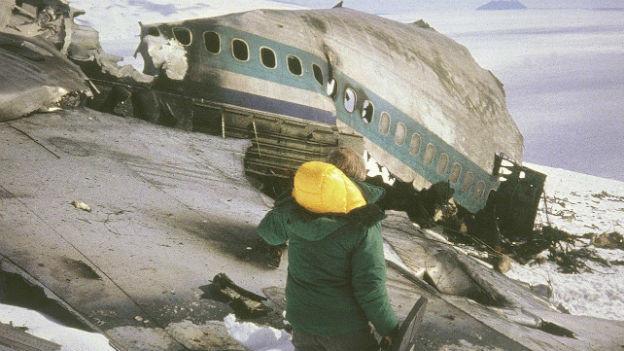 Die Trümmer des Flugzeugs am Mount Erebus