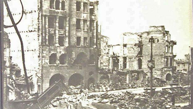 1945 von den Allierten fast ganz zerstört: Pforzheim