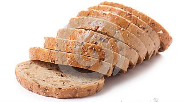 Fast identische Scheiben: Brot, maschinell geschnitten