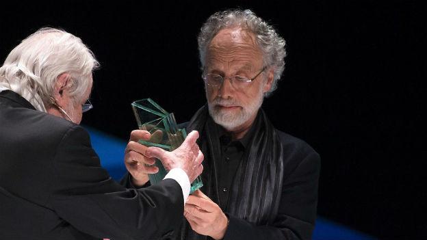Markus Imhoof empfängt den Schweizer Filmpreis