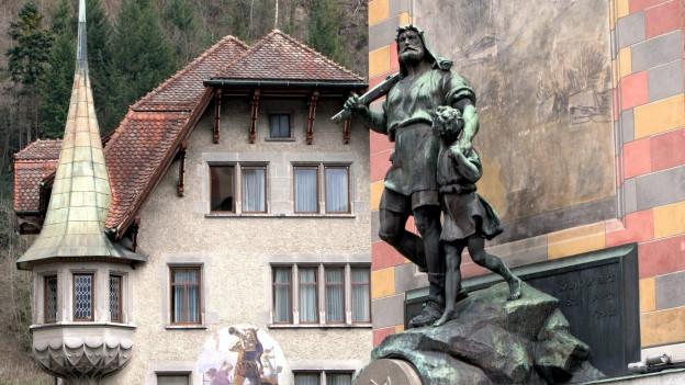 Wilhelm Tell: Seit 120 Jahren trotzt er Regen, Schnee und Sonne.