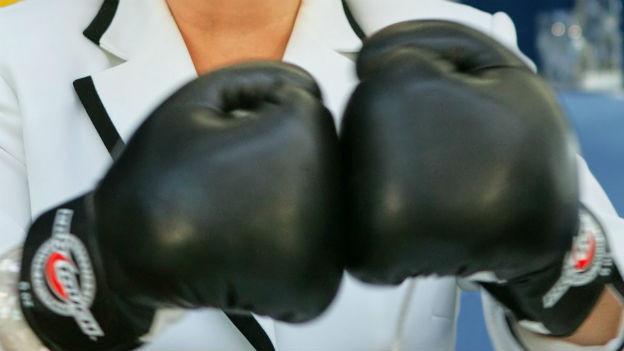 Geschützter Kampf der Fäuste: Boxhandschuhe