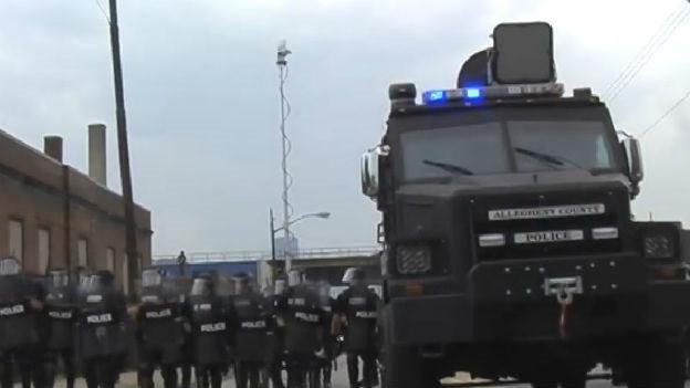 Höhe Töne gegen Demonstrierende: Akustikwaffe