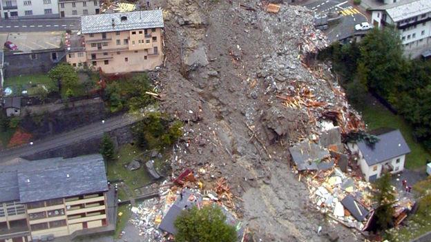 Verheerende Unwetter: Erdrutsch in Gondo
