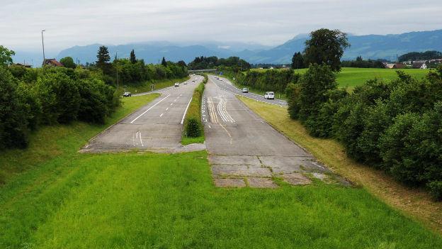 Freie Fahrt für die Baumaschinen: Ja zum Autobahnnetz.