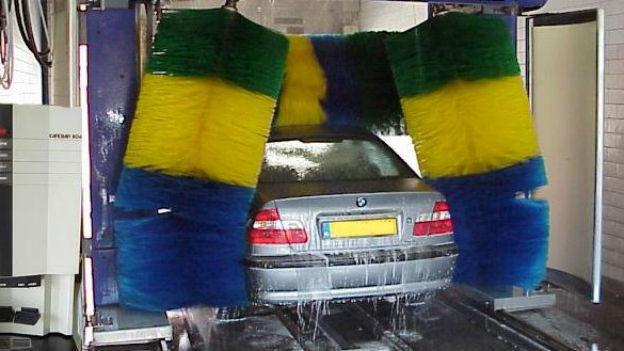 Ein Geschäft erst nach Misserfolgen: Autowaschstrasse.