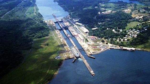 Verbindung von Atlantik und Pazifik: Der Panamakanal.