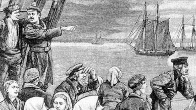 Neues Leben, anderes Land: Auswanderer vor der Küste.
