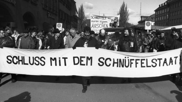 Der Fichenskandal führte zu Protesten der Bevölkerung, hier 1990 in Bern.