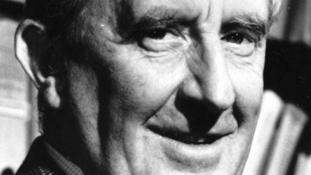 Schöpfer der Mittel-Erde: Fantasy.Autor J.R.R. Tolkien.