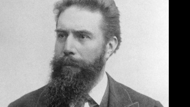 Plötzlich diese Transparenz: Wilhelm Conrad Röntgen.