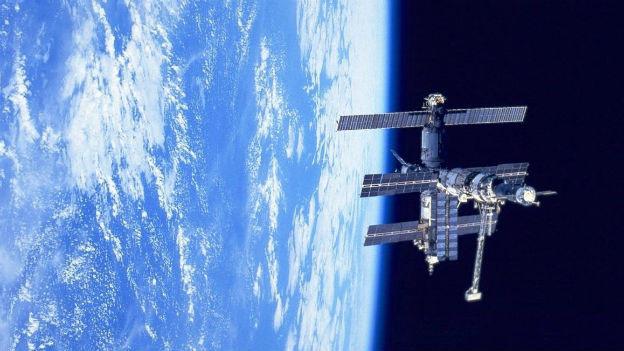 3'638'470'307 km im Erdorbit: Raumstation MIR.