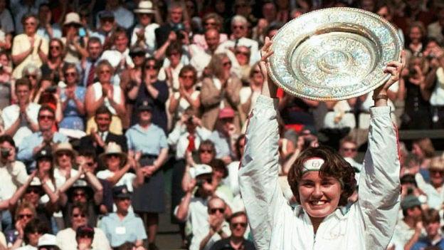 Mit 16 bereits Siegerin in Wimbledon: Martina Hingis.