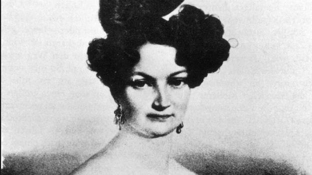Schauspielerin, Betrügerin, Sängerin: Adele Spitzeder.