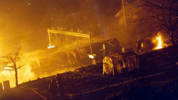 Eine Million Liter Benzin brennt: Stein-Säckingen, 1990.