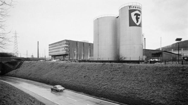 Die Firestone-Fabrin in Pratteln, 1977.
