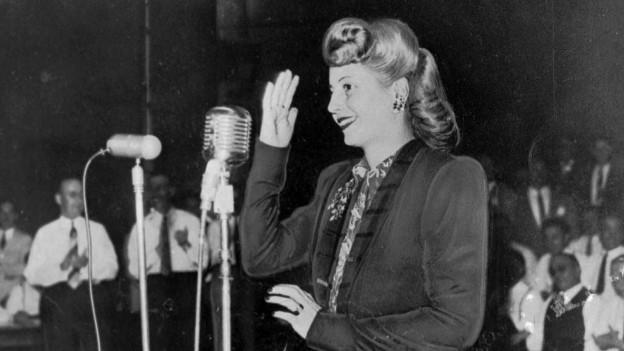Eva Peron beim Parteikongress im Juni 1947