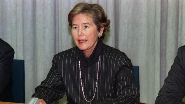 Bundesrätin Elisabeth Kopp erklärt ihren Rücktritt
