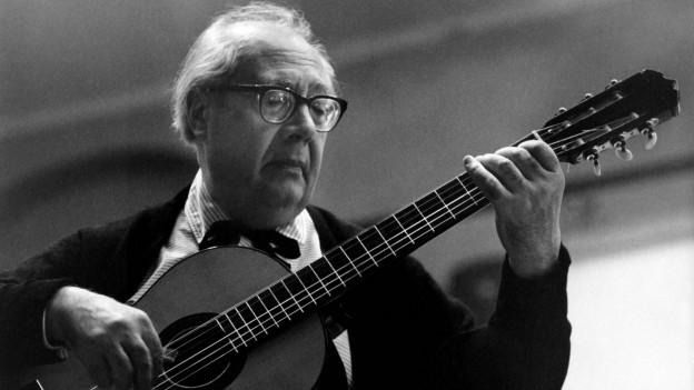 Andrés Segovia spielt 1962 in Montreux