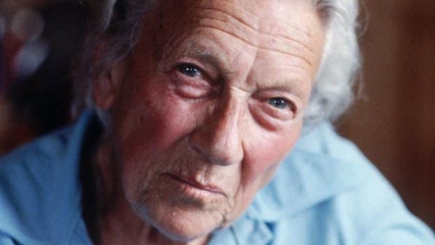 Ella Maillart starb am 27. März 1997 94-jährig in ihrem Chalet im Walliser Bergdorf Chandolin
