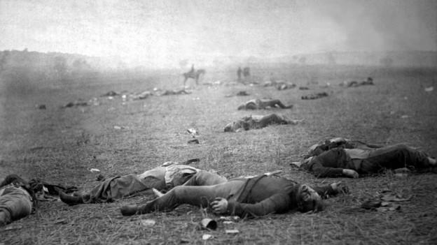 Nach der Schlacht: Die gefallenen Soldaten