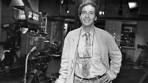 Gründer Roger Schawinski am ersten Sendetag von Tele Züri.