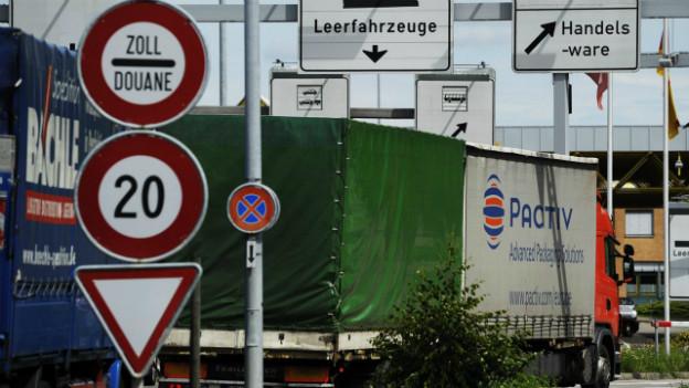 Grenzübergang Thayngen in Schaffhausen: LKW exportiert Waren nach Deutschland.