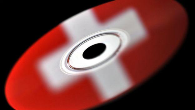 Über 10'000 deutsche Kunden, die ihr Geld auf Schweizer Banken haben, sind betroffen.
