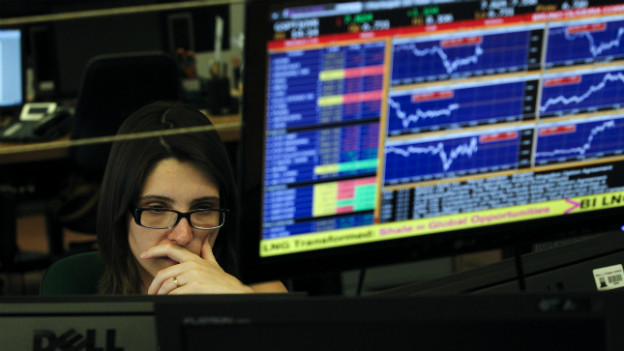 Sinkende Aktienkurse, hier in einer Bank in Portugal: So wird es weitergehen, glaubt Autor David Marsh.