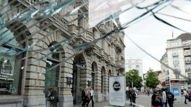 Die Credit Suisse zieht sich aus mehreren Ländern zurück.