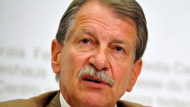 Walther Zimmerli, Stiftungs-Seniorprofessor an der Humboldt-Universität Berlin.