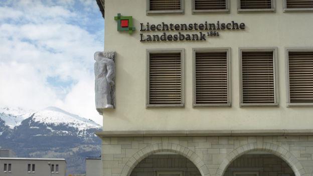 Blick auf einen Teil des Gebäudes der Liechtensteinischen Landesbank in Vaduz.