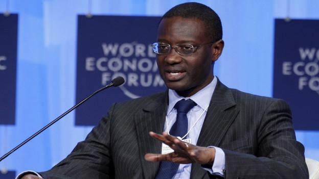 Aufnahme von Tidjane Thiam an einem Podium am WEF in Davos 2010.