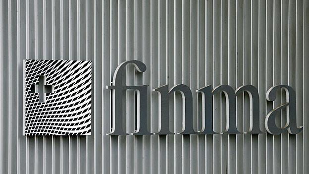 Das Logo der Finma am Hauptsitz in Bern.